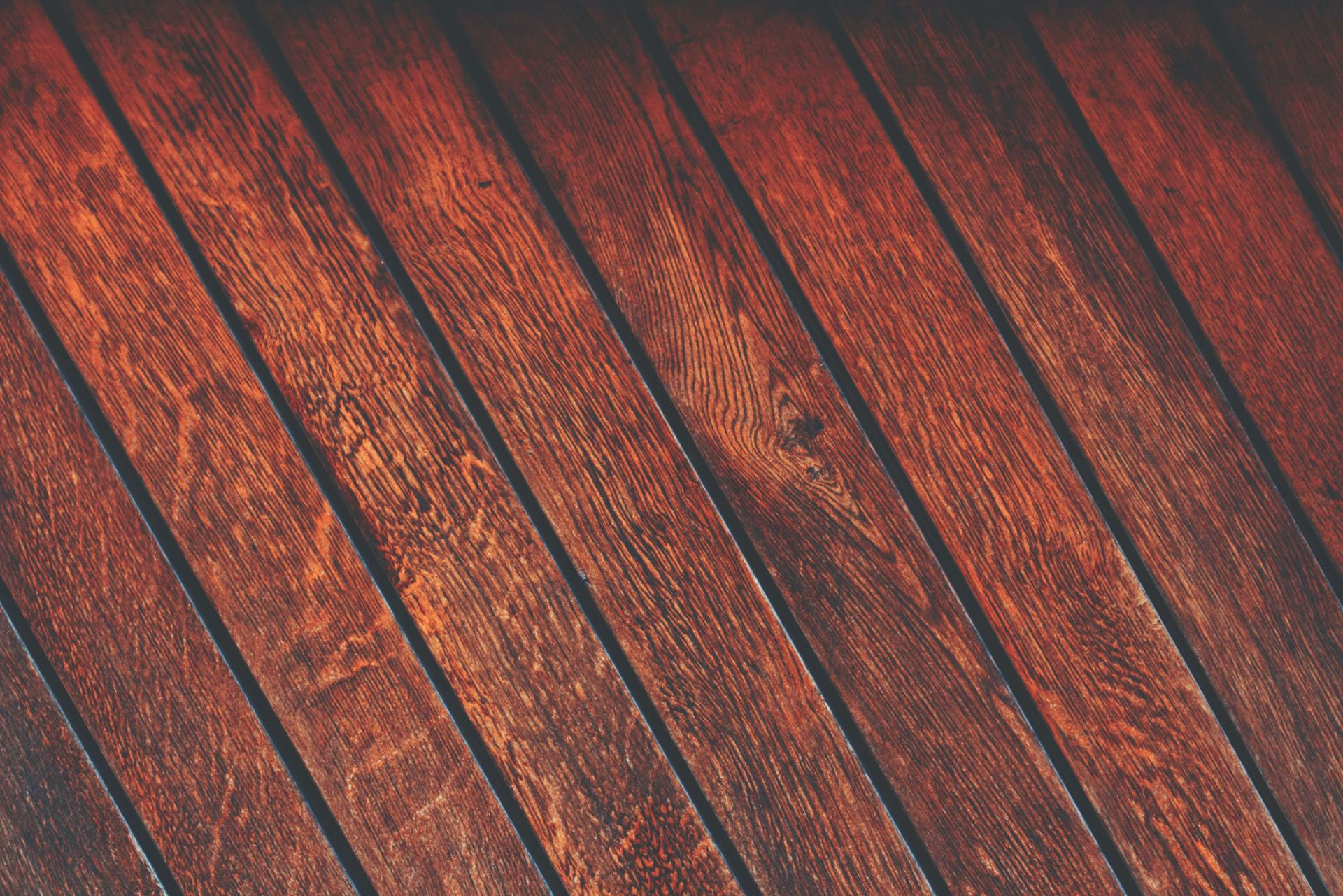 Wady i zalety drewnianej elewacji